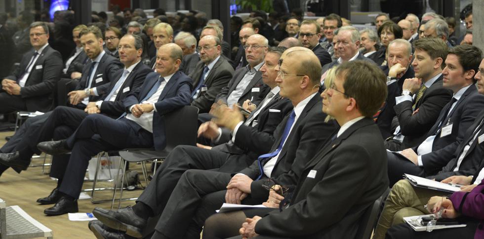 Wirtschaftsrat Segeberg zu Gast bei Jungheinrich