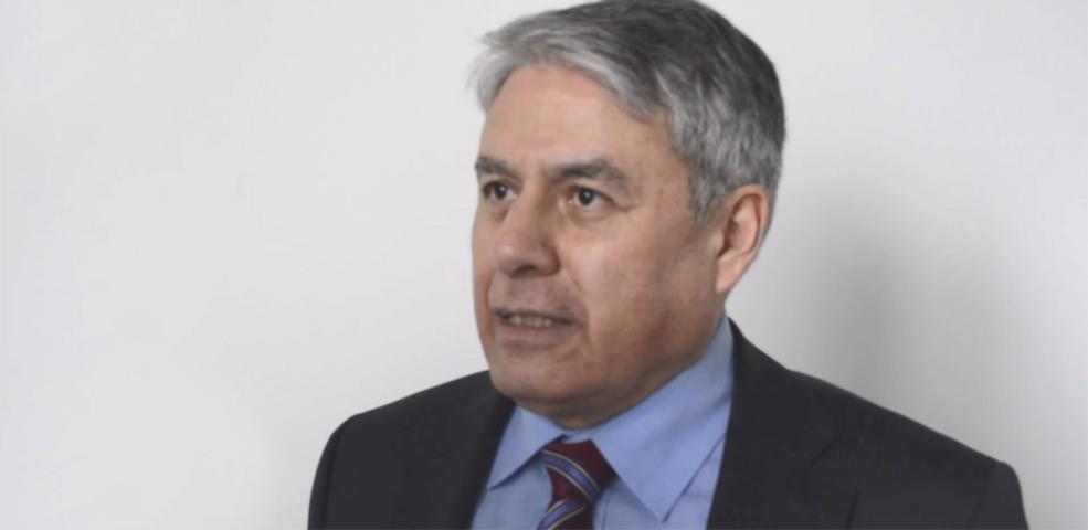 Dr. Julio Aspiazu stellt das Business Model Canvas vor